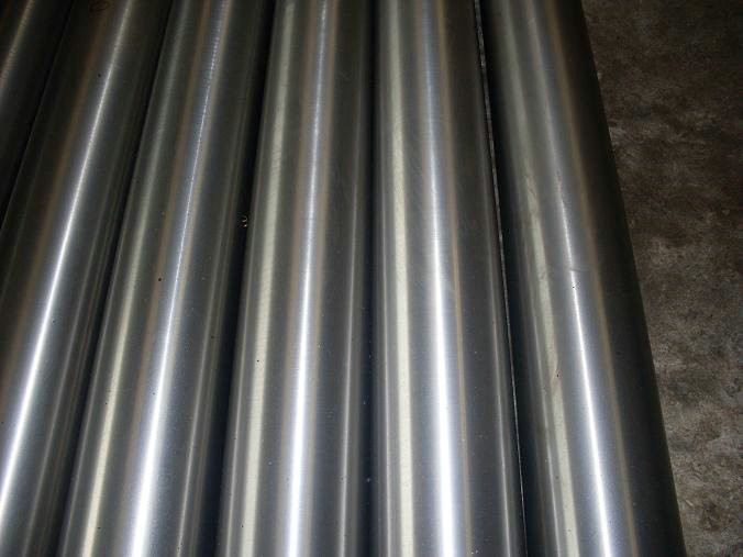 ASTM / JIS Prime Stainless Steel Round Bars ASTM 304 Bright Finish For Petroleum & Chemical Industries